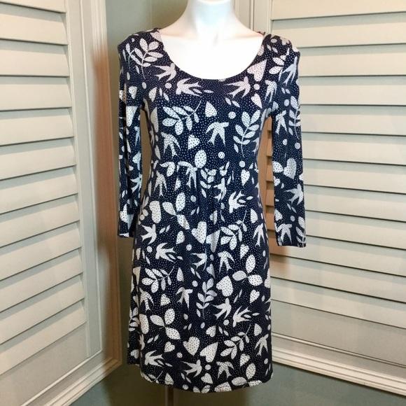 926ae6bf605 Boden Dresses   Skirts - Boden Bird Leaf Heart Print Knit Dress